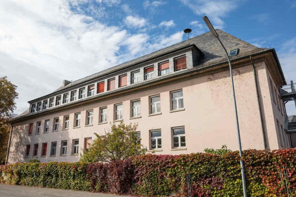 Außenansicht der Grundschule Fridolinschule.