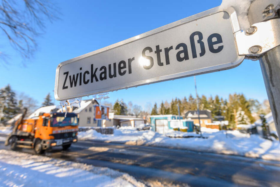 Die Zwickauer Straße in Reichenbrand wurde später geräumt.