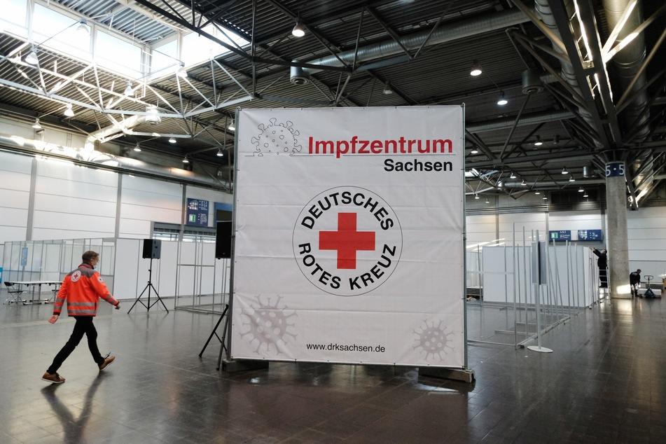 Die Halle 5 auf dem Leipziger Messegelände fungiert als Impfzentrum.