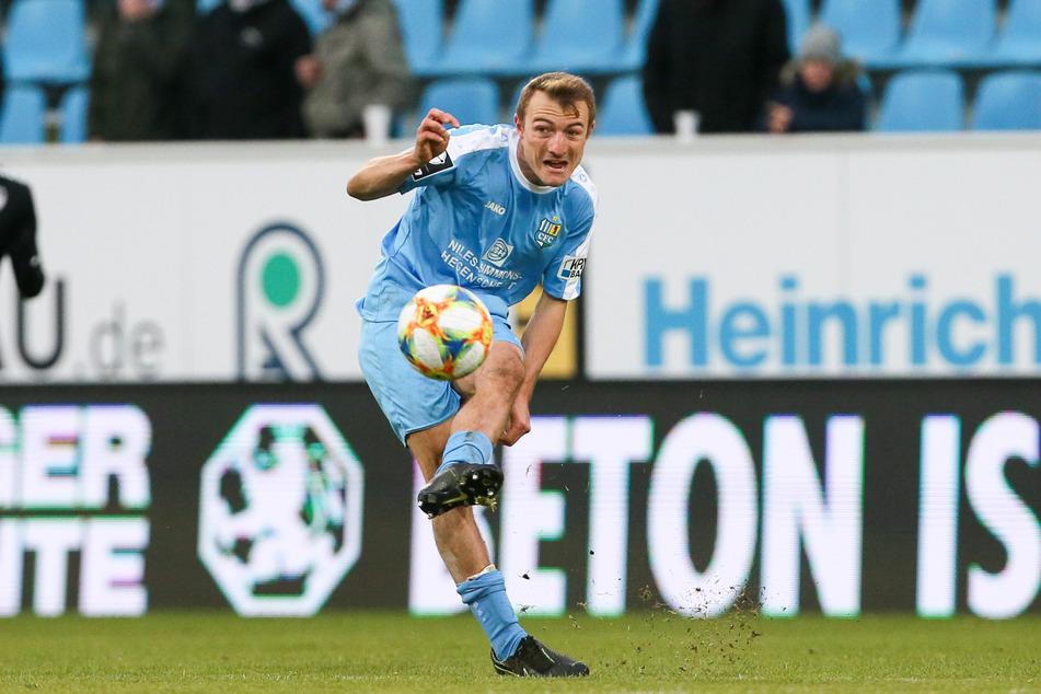 """Beim bitteren 3:4 gegen 1860 München saß Daniel Bohl auf der Tribüne. """"Sperren gehören dazu"""", meint der Mittelfeld-Malocher."""