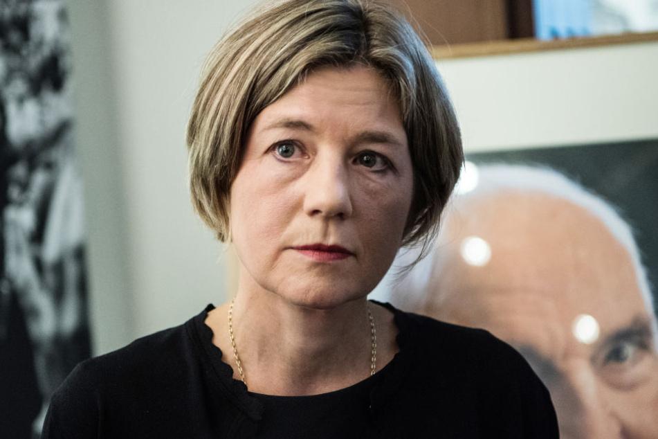 Maike Kohl-Richter (54) hat am Landgericht Köln eine Klage gegen das Buch über ihren verstorbenen Ehemann Helmut Kohl (1930-2017) eingereicht.