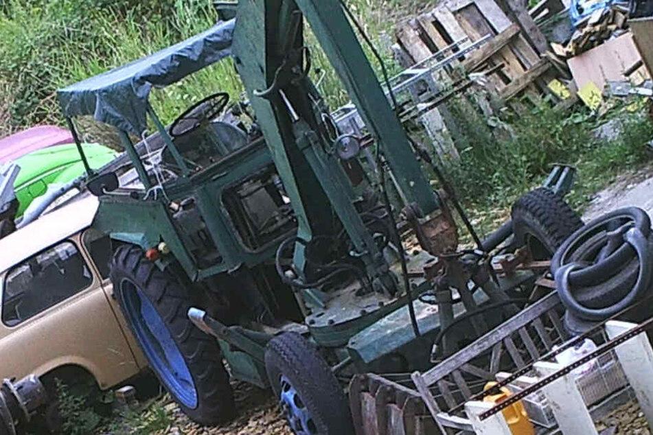 Der Schwankkran, Modell T-157/1, stand auf einer Industriebrache in Leipzig-Liebertwolkwitz.