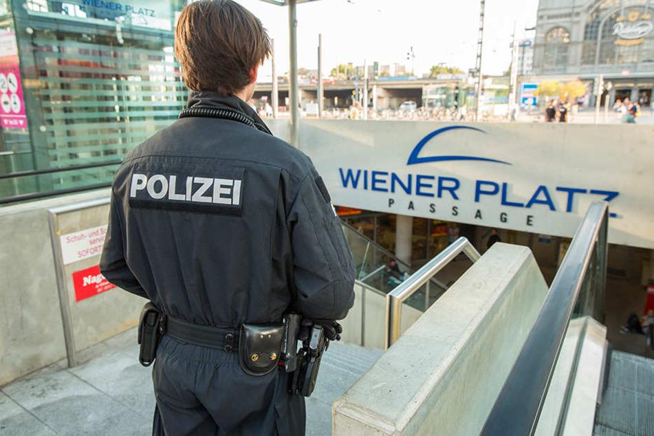 Regelmäßig finden Razzien am Wiener Platz statt. In diesem Jahr sind es  bereits über 20.