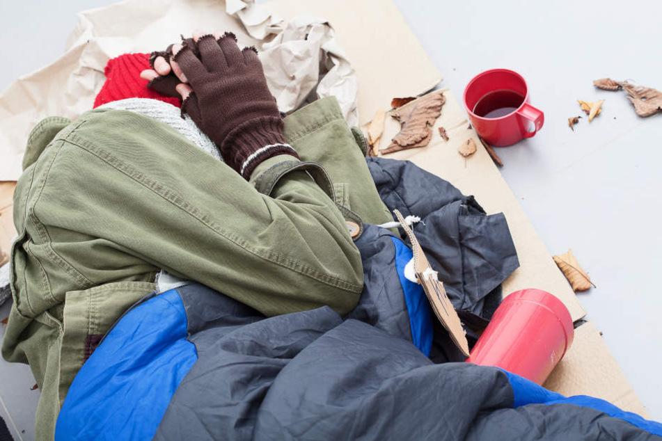 Der Obdachloser (36) wurde mit einer Bierflasche verprügelt. (Symbolbild)