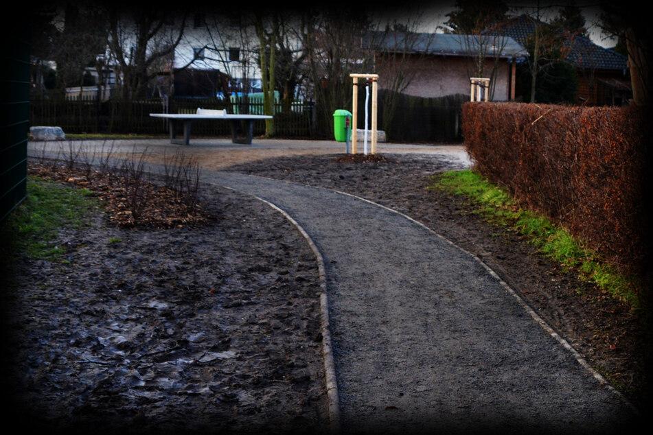 Er lag hinter einem Spielplatz: 65-Jähriger tot in Leipzig aufgefunden