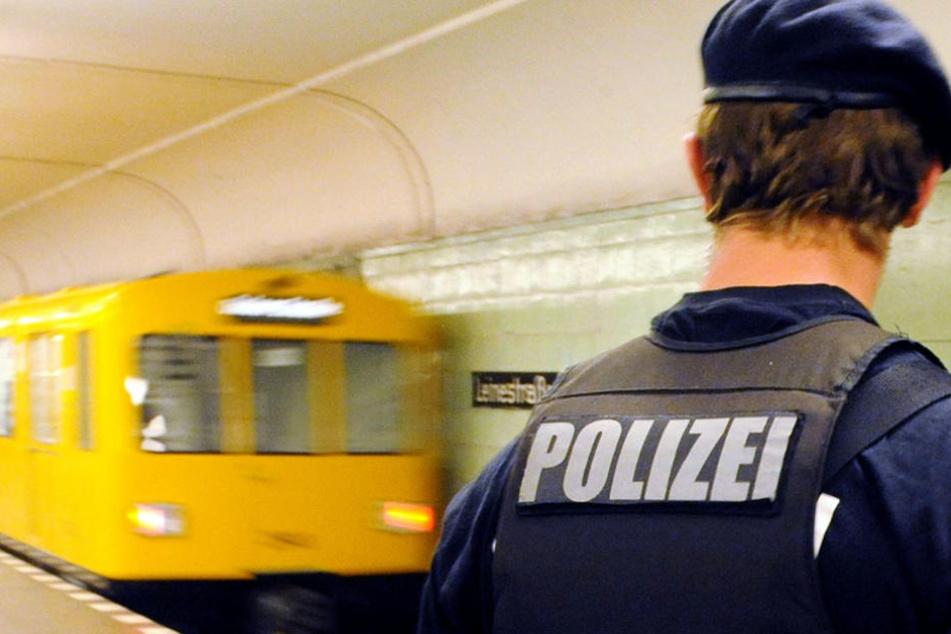 Im letzten Jahr nahmen die Taschendiebstähle in der BVG deutlich zu. (Symbolbild)