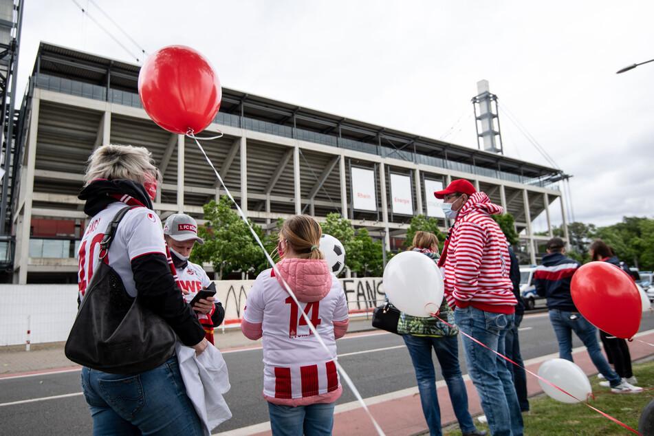 Fans des 1. FC Köln stehen hinter ihrem Verein, hatten zuletzt aber immer wieder die Kommunikation des FC-Vorstand kritisiert.