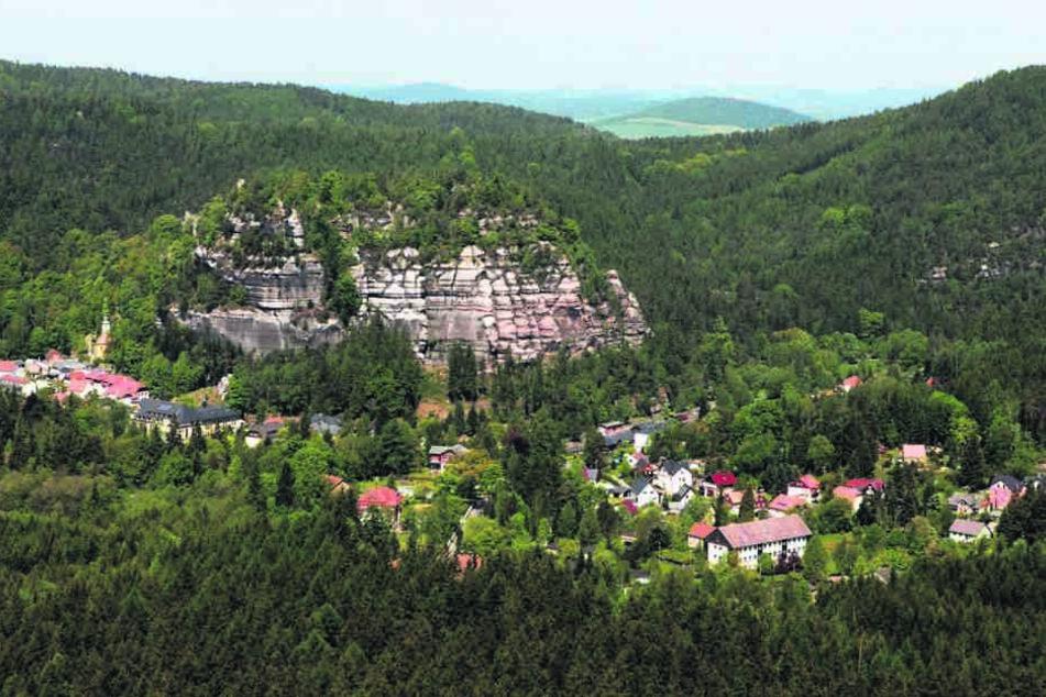 Wasser gibt's hier eigentlich mehr als genug: Jonsdorf gilt mit mehreren  Brunnen als Trinkwassereinzugsgebiet.