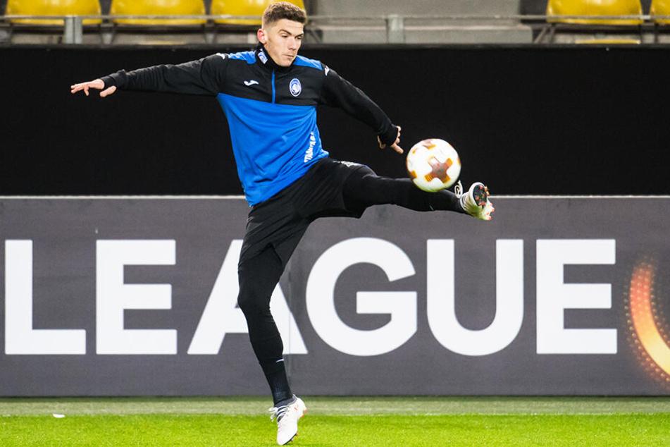 Robin Gosens zog mit Atalanta Bergamo in die Champions League ein. Nun soll der FC Schalke 04 an ihm dran sein.