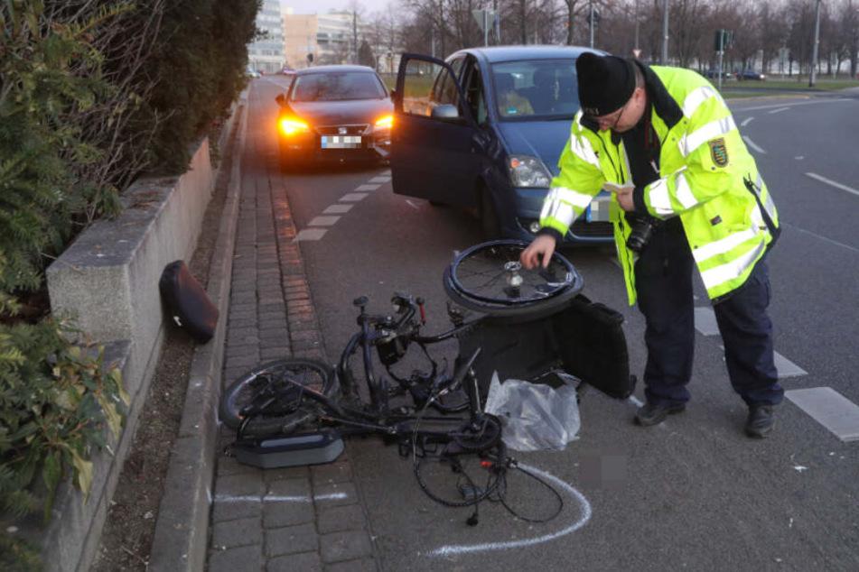 Rolli-Fahrer von Opel erfasst: Mann schwer verletzt!