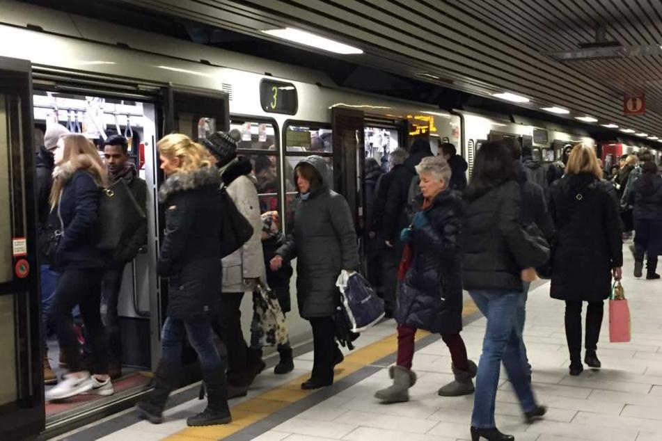Der 38-Jährige hatte auf den Bahnsteig der Haltestelle Neumarkt gepinkelt.