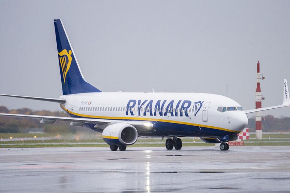 """Die Airline """"Ryanair"""" muss sich an das Nachtflugverbot halten und die verspäteten Landungen eliminieren."""
