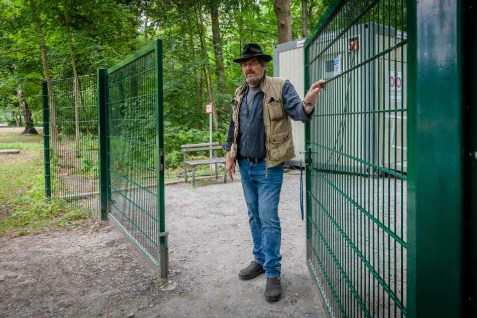 """""""Warum wieder wir?"""" Rolf Esche (65), Vorsitzender des Küchwaldbühne e.V., stellt sich diese Frage immer öfter."""