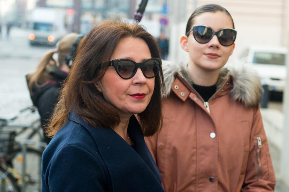 Dschungelcamp: Dschungelcamp-Reise von Nathalie Volks Mutter wieder vor Gericht