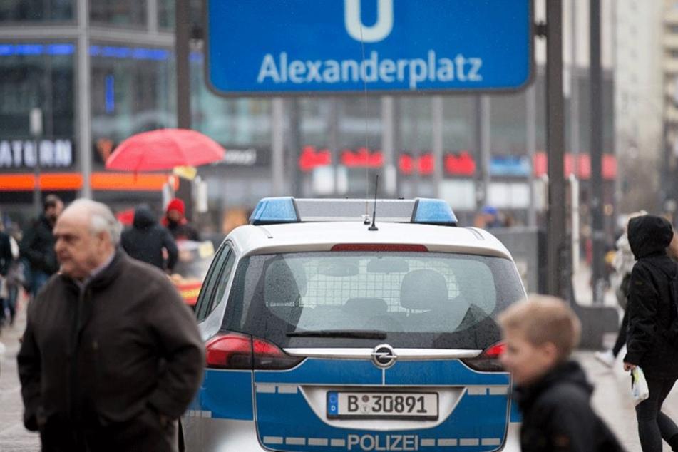Bald soll die Polizei rund um die Uhr auf dem Alexanderplatz sein.