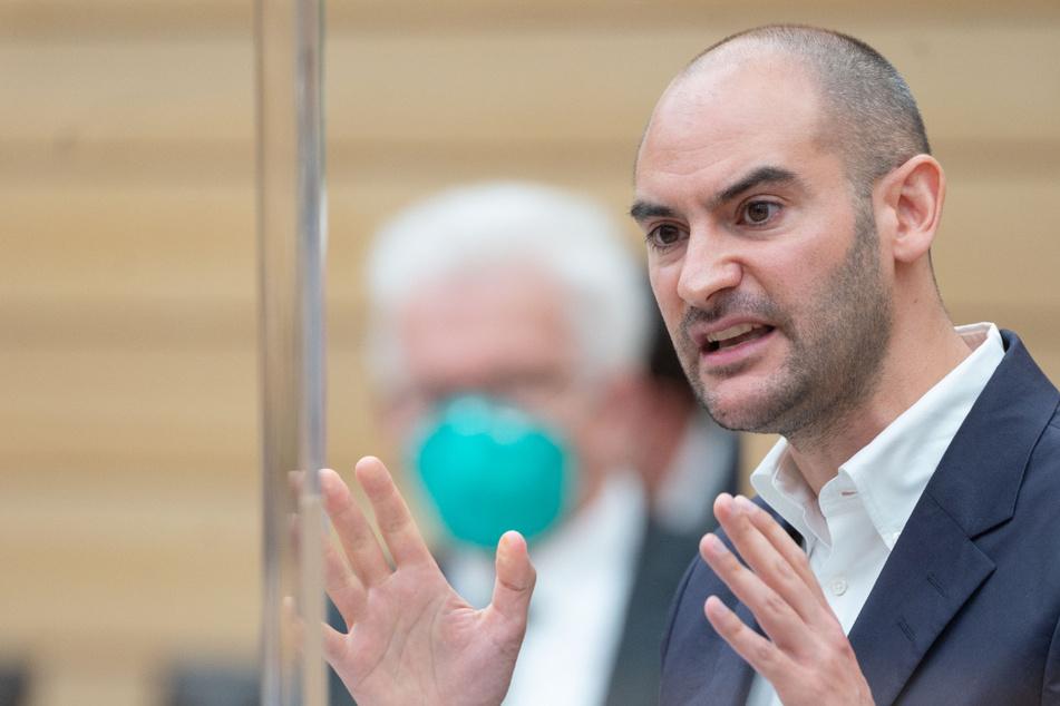 Laut Baden-Württembergs Finanzminister Danyal Bayaz (37, Grüne) sollen mehr als 1200 neue Stellen geschaffen werden - unter anderem bei der Justiz, in Schulen und Gesundheitsämtern.