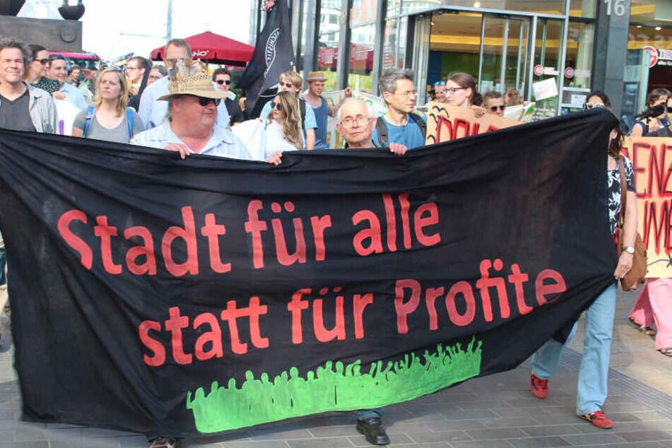 """Der Protestzug """"Mietenwahnsinn stoppen"""" startet um 14 Uhr am Bayerischen Platz.."""