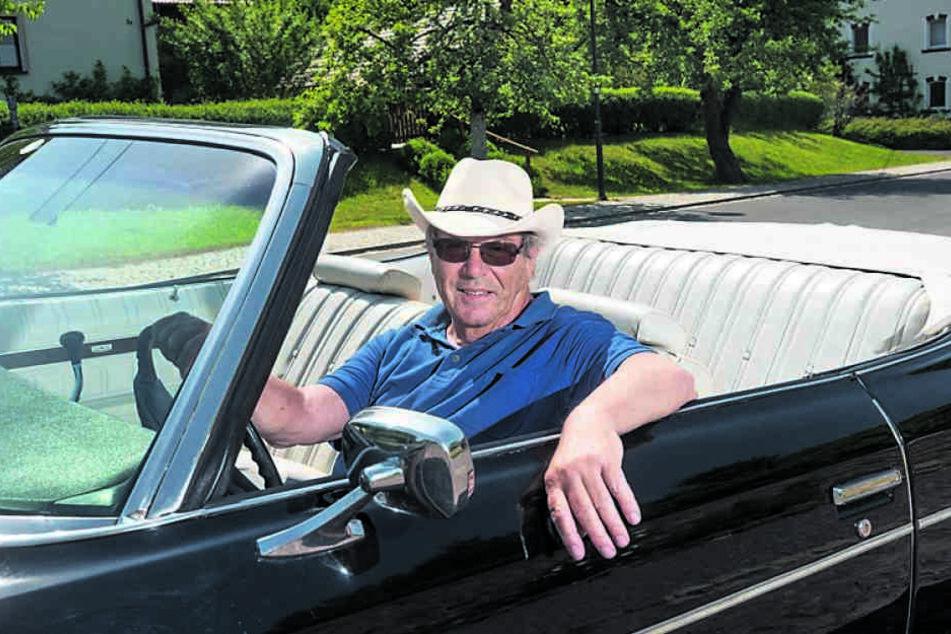 Denver-Clan auf sächsisch: Klaus -Dieter Schulze (72) in seinem Chevrolet  Baujahr 1973.