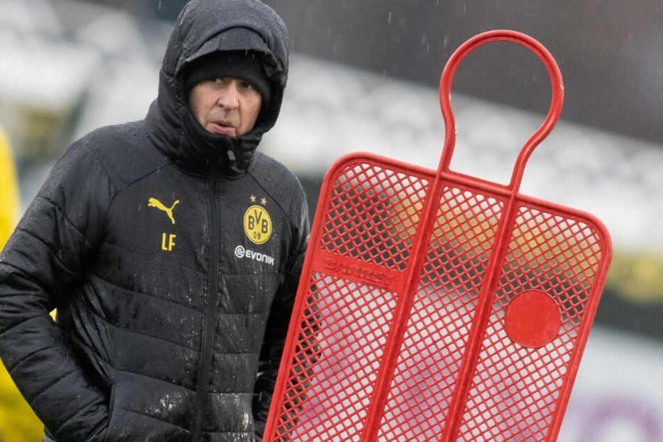 Trainer Lucien Favre wird in den nächsten Auswärtsspielen in Hoffenheim nicht auf die Unterstützung der BVB-Fans im Stadion zählen können.