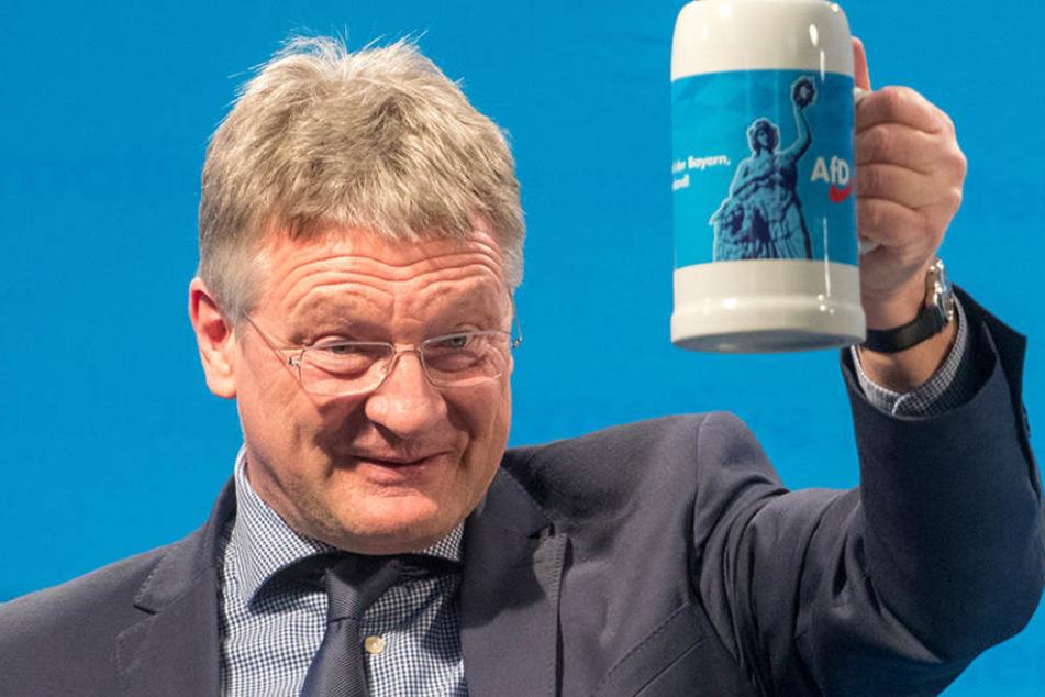 Jörg Meuthen hat betont, dass die AfD gewaltsame Veränderungen in Deutschland ablehnt.