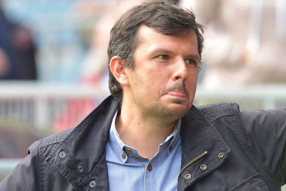Sport-Geschäftsführer Samir Arabi hat derzeit keine einfachen Aufgaben zu lösen.