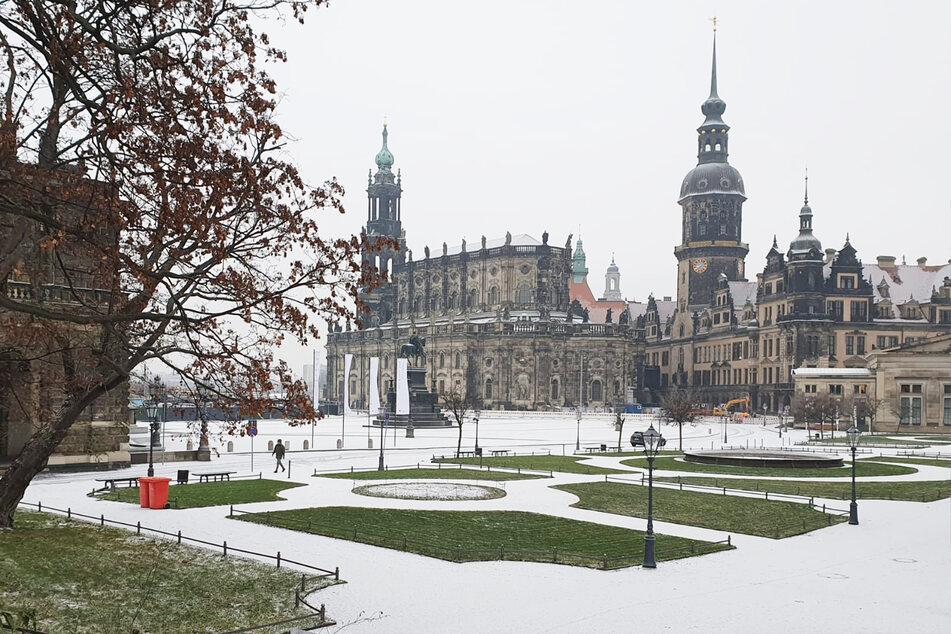 Auch in der Dresdner Altstadt fiel Schnee.