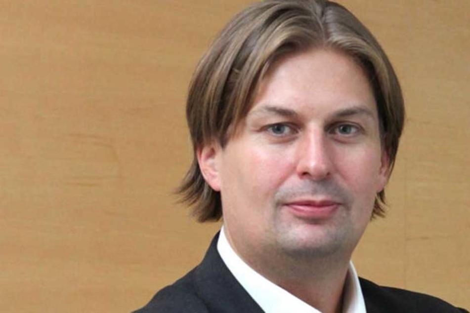 AfD-Mann Maximilian Krah sorgt sich um die Zukunft der Weihnachtsmärkte.