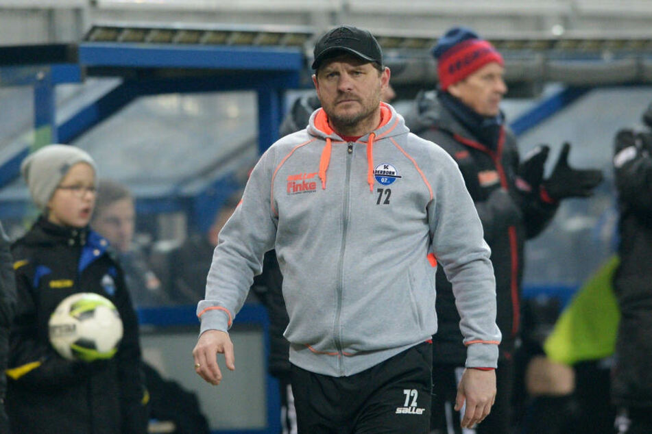 """Steffen Baumgart hatte bereits angekündigt, dass sein Team """"so oder so"""" am Samstag spielen würde."""
