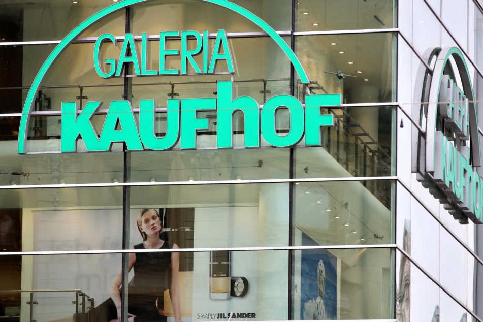 400 Kölner Kaufhof-Mitarbeiter müssen bei Kaufhof gehen.