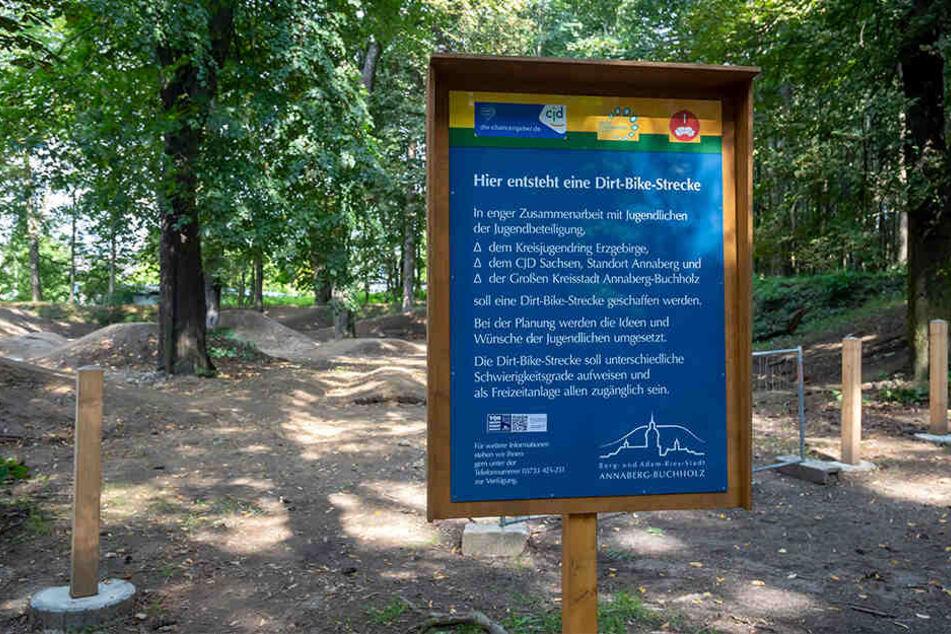 Die neue Dirt-Bike-Strecke entsteht auf dem Areal des alten Waldspielplatzes.