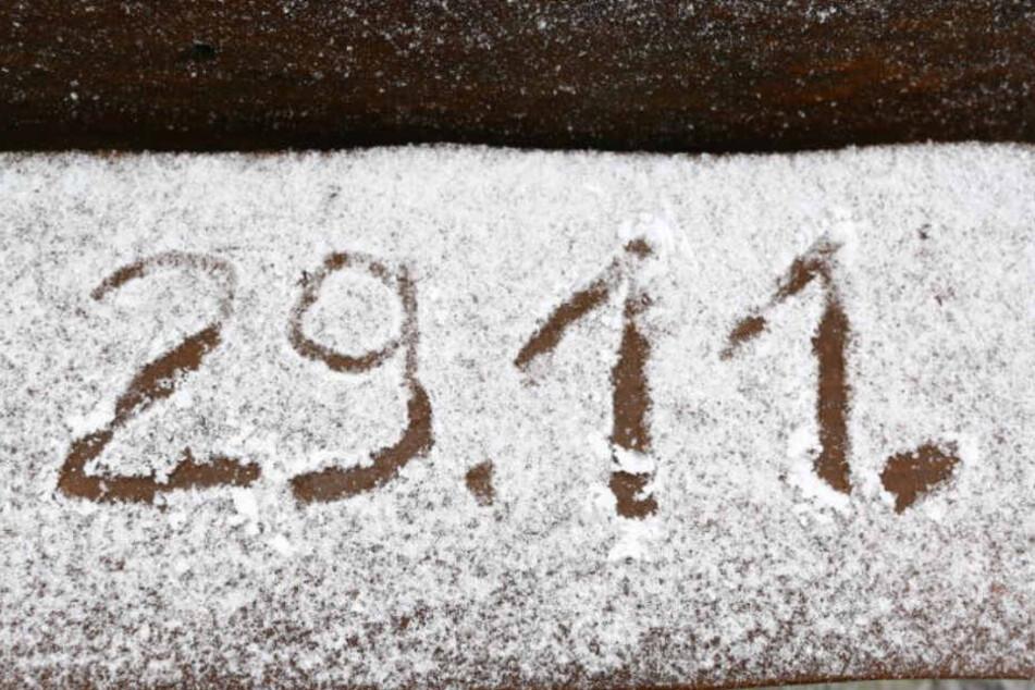 Es geht langsam los. Am Fichtelberg werden die Schneedecken häufiger.