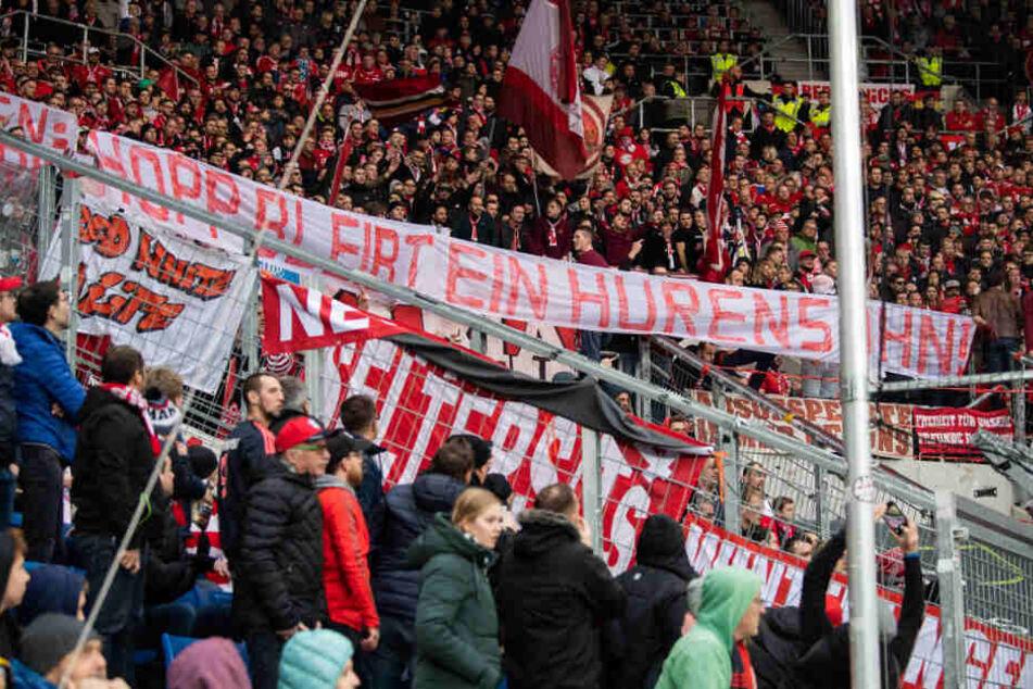 Hass-Plakate gegen Hopp: Fans des FC Bayern veröffentlichen Statement