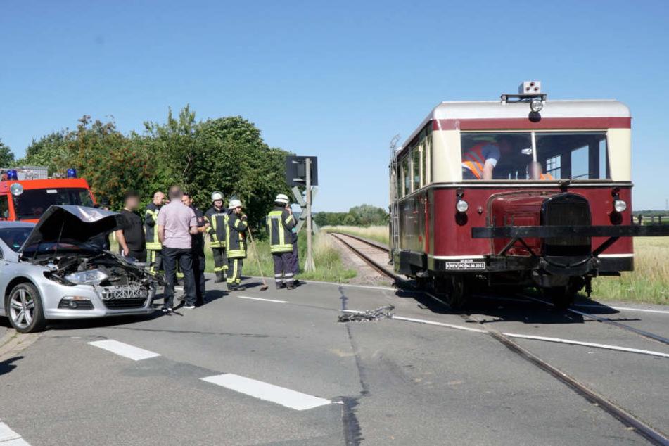 Der Autofahrer kam vorsichtshalber ins Krankenhaus.