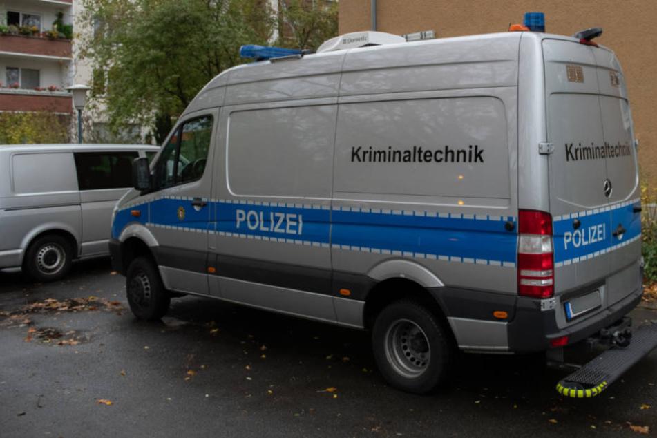 Der Tatort wurde von der Spurensicherung untersucht. (Symbolbild)