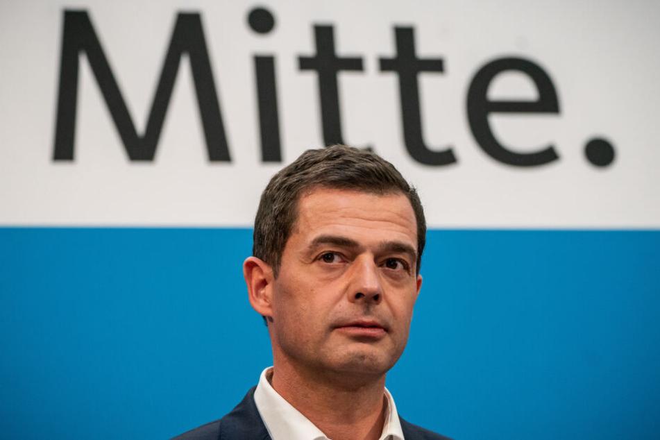 Mike Mohring (47, CDU). hatte den Plan geäußert, sich selbst als Ministerpräsidenten wählen lassen zu wollen.