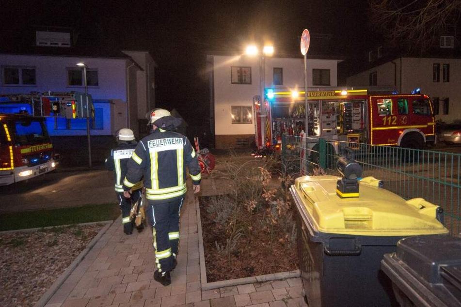 Nachbarn informierten die Feuerwehr über den Brand.