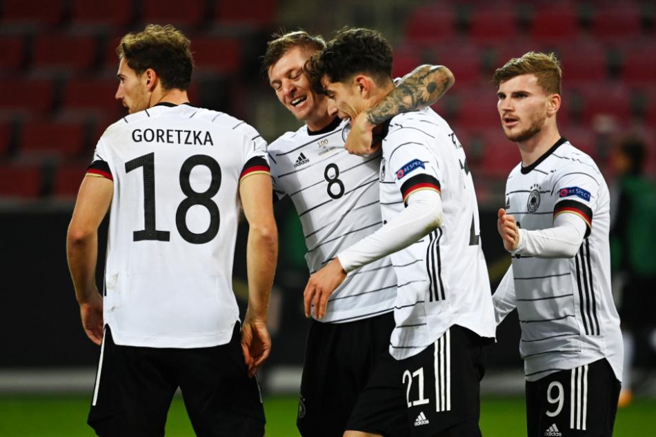 Von links: Leon Goretzka, Toni Kroos, Torschütze Kai Havertz und Timo Werner bejubeln das deutsche 2:2-Ausgleichstor.