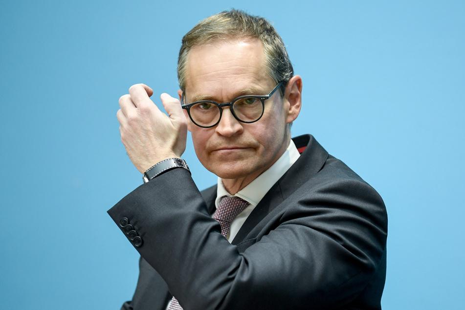 Ein Termin für die Rückkehr zum Normalbetrieb in den Kitas steht nach Angaben des Regierenden Bürgermeisters Michael Müller (SPD) noch nicht fest.