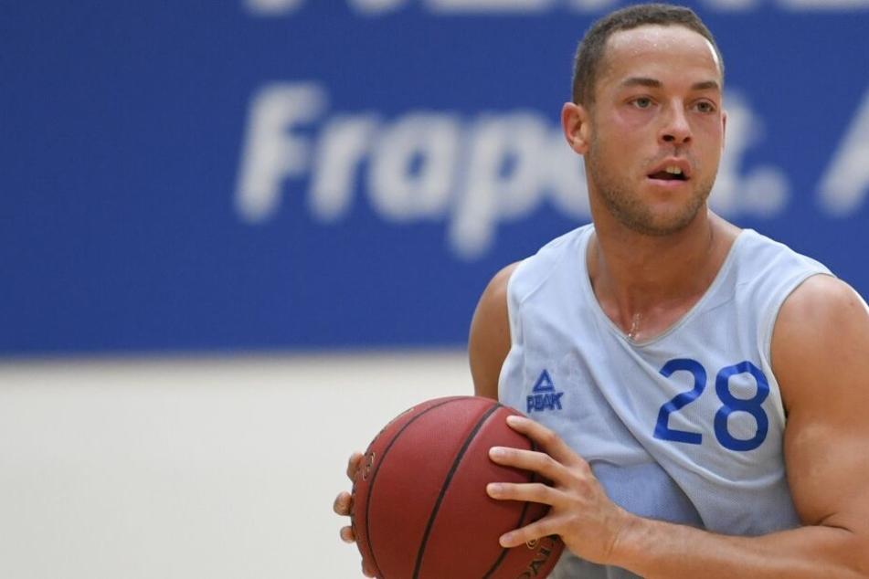 Basketball-Bachelor Andrej Mangold feiert Quickie-Debüt