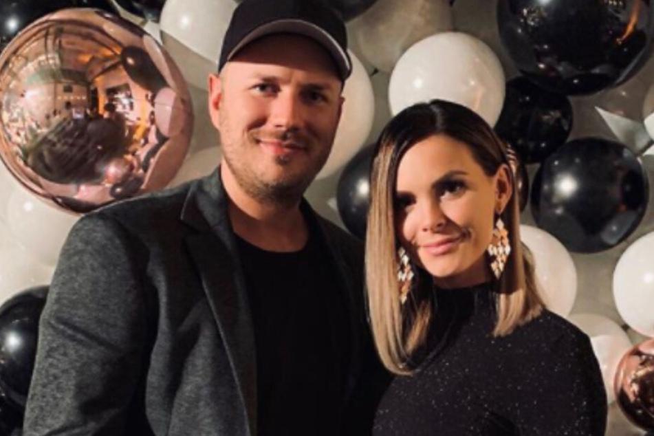Ein neugieriger Fan interessierte sich vor allem für den Beziehungsstatus von Ex Denisé Kappès (28) und Freund Tim.