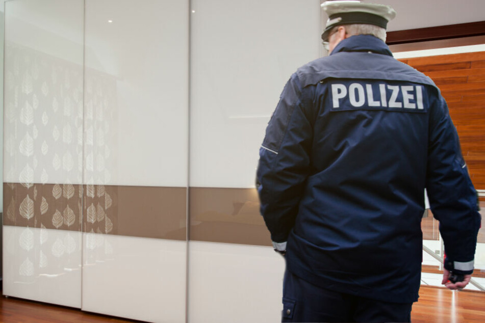 Die Polizei fand in einem Schrank den Jungen. (Symbolbild)