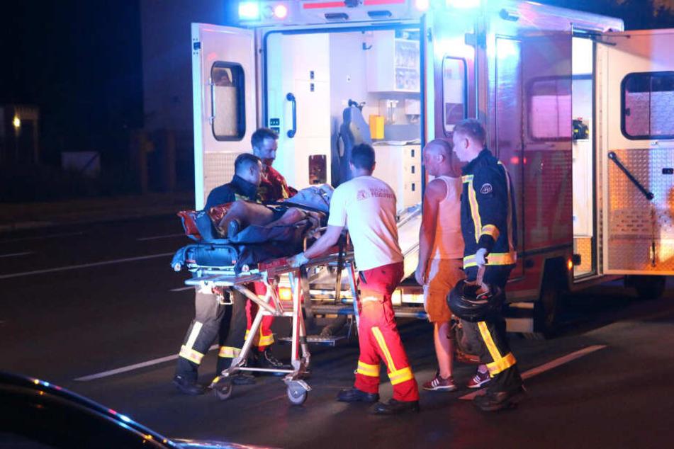 Heftiger Crash: Motorrad zerfetzt Fahrrad, zwei Schwerverletzte