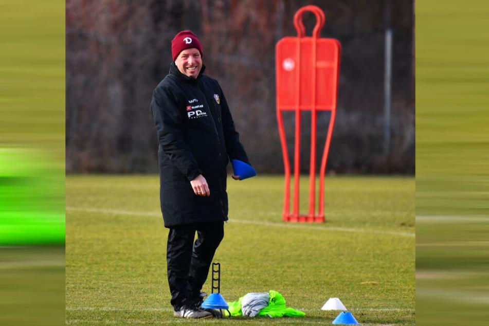 Markus Kauczinski hatte am gestrigen Mittwoch beim Training jede Menge Spaß. Auch am heutigen Donnerstag an seinem Ehrentag wird der Dynamo-Coach auf dem Platz stehen.