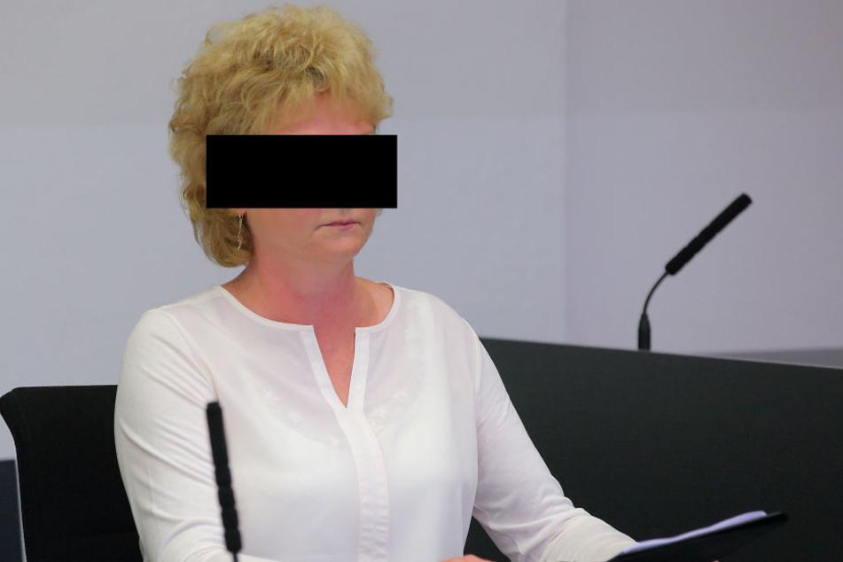 Angeklagt wegen Verfolgung Unschuldiger: Ex-Geheimdienstlerin Simone H. (58).