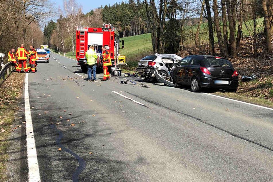 Eine Tote und zwei Schwerverletzte bei Horror-Crash im Vogtland