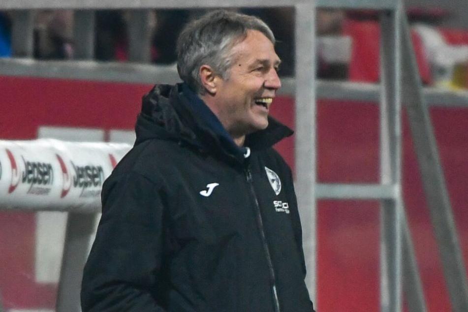 Derzeit hat Arminen-Trainer Uwe Neuhaus gut lachen.