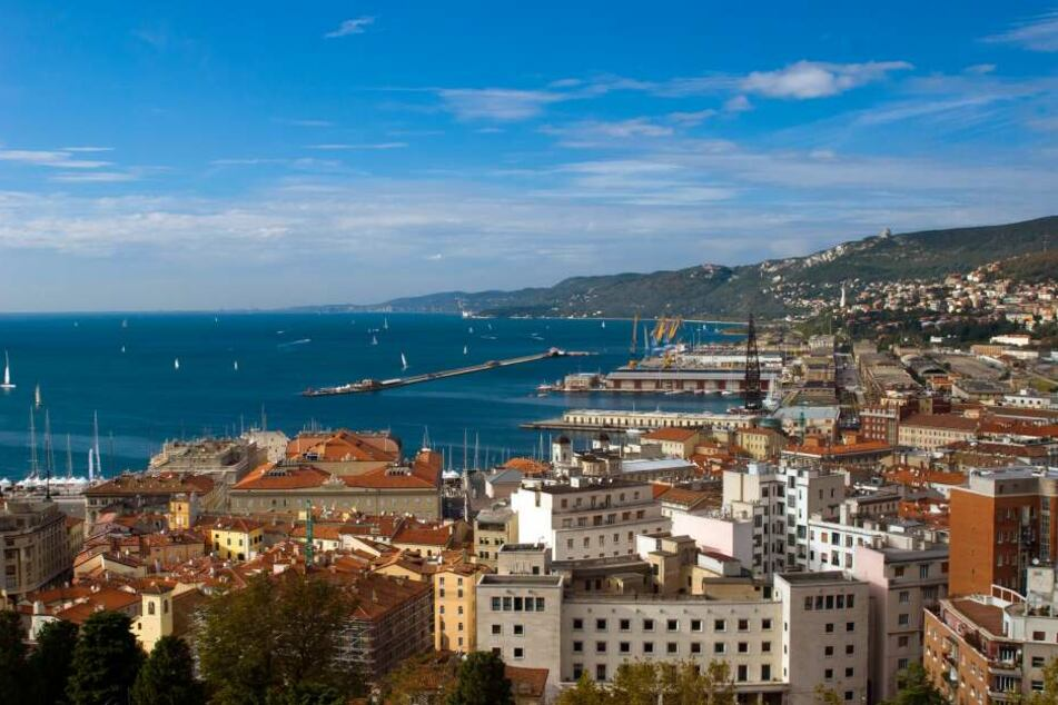 Triest (Italien) – Entdeckt am ersten Tag den imposanten Hafen!