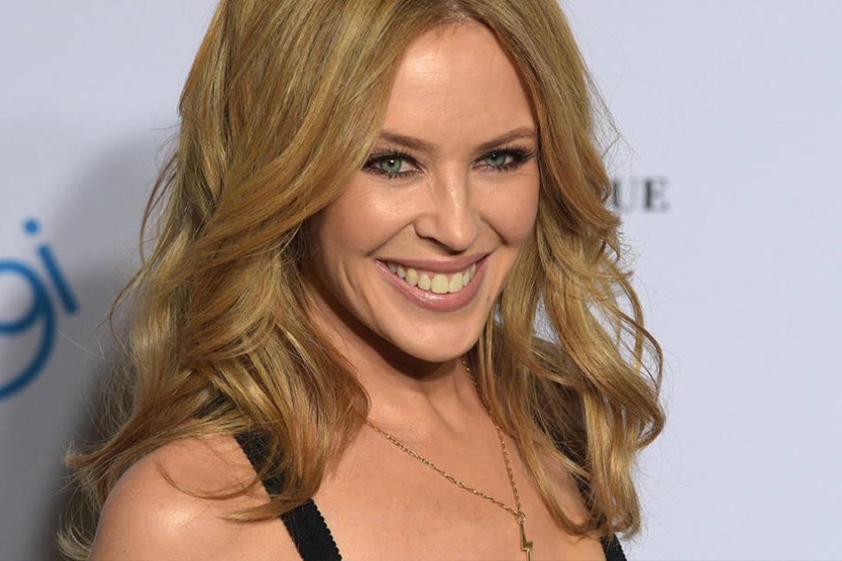 Kylie Minogue (48) hat sich im Februar von ihrem Verlobten getrennt - kein Grund für schlechte Laune.