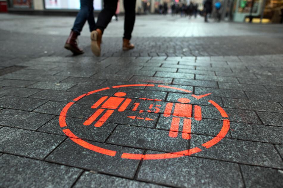 Wegen alarmierender Zahlen auf Intensivstationen: Köln zieht Lockerungen zurück!