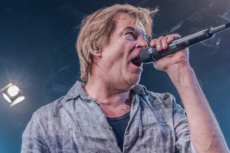 """Sänger Campino von der Band """"Die Toten Hosen"""" gibt ein Konzert im SO 36."""